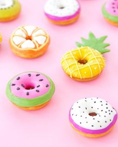 New birthday cupcakes diy cream cheeses ideas Macaroons, Delicious Donuts, Yummy Food, Bolo Tumblr, Donut Pictures, Kreative Desserts, Cute Donuts, Donuts Donuts, Homade Donuts