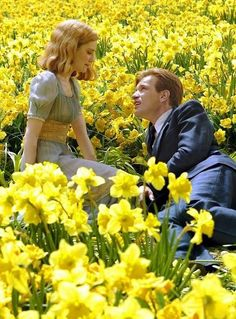 They say when you meet the love of your life time stops and that s true What they don t tell you is that when it starts again it moves extra fast to catch up Ewan McGregor Alison Lohman as Ed Sandra Bloom Big Fish 2003 Big Fish Film, Big Fish Movie, Couple Aesthetic, Film Aesthetic, Old Dress, Alison Lohman, Films Cinema, Ewan Mcgregor, Poses