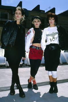 best style icons to inspire your Bananarama — Keren Woodward, Sara Dallin & Siobhan Fahey. Great representation of new wave style. Great representation of new wave style. 80s Outfit, Fashion History, Style, Fashion, 1980 Fashion, Retro Fashion, 90s Fashion, Vintage Fashion, 80s Fashion Trends