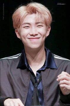 His dimples are going to be the death of me Kim Namjoon Jung Hoseok, Kim Namjoon, Seokjin, Jimin, Bts Bangtan Boy, Bts Boys, Mixtape, Park Ji Min, K Pop