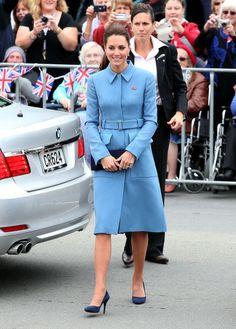 Duchess Of Cambridge, Kate Middleton, Wears Yellow Dress To Taronga Zoo In Sydney | Grazia Fashion