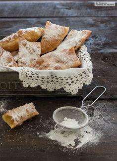 """En Galicia, y durante """"o Entroido"""", pocas son las casas en donde no se preparen orejas de carnaval, un dulce típico que es un sencillo manjar ..."""