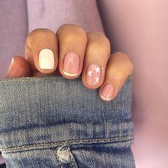 Fancy Nails, Trendy Nails, Cute Nails, Milky Nails, Clear Acrylic Nails, Acylic Nails, Bridal Nail Art, Nails Only, Minimalist Nails