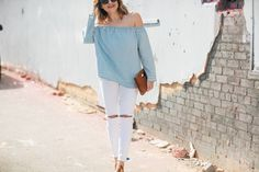 Pairing this off-the-shoulder top from GAP with the most comfortable white jeans from #nordstrom that are under $75!