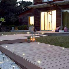 Planche Premium lisse en composite brun clair, L 240 x l 15 cm x Ep 21 mm