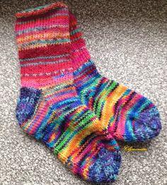 Socken aus Wollresten / Socks made of scraps of yarn / Upcycling