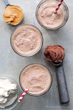 Peanut Butter Chocolate Milkshake Recipe   shewearsmanyhats.com