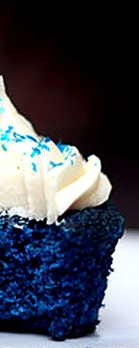 Blue Velvet Cupcakes . . cupcakes are good but icing is amazing