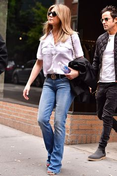 Jennifer Aniston Walked Right Into Autumn in Her Favourite Summer Shoes