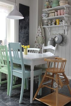 Love everything about this space, and especially the high chair