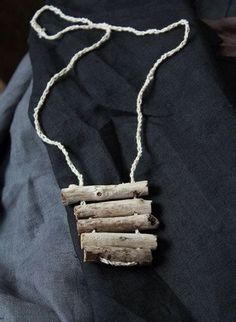 light grey natural minimalistic driftwood necklace by Triviality Lab Driftwood Jewelry, Ceramic Jewelry, Wooden Jewelry, Wire Jewelry, Jewelery, Jewelry Necklaces, Unique Jewelry, Jewelry Ideas, Jewelry Accessories