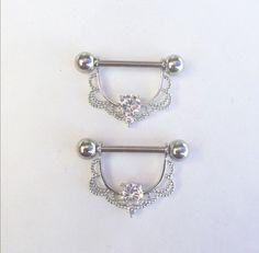 Cool Piercings, Piercing Ring, Barbell Piercing, Piercing Ideas, Cute Jewelry, Body Jewelry, Jewellery, Percing Teton, Upper Ear Earrings