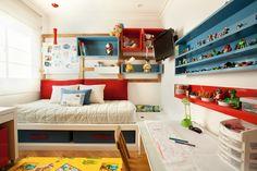 O ambiente possui um espaço para o descanso, os estudos, diversão e recepção de amigos