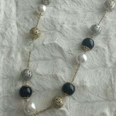 Necklace White, transparent, gold and black. Classy addition to any outfit. Used once. boutique Jewelry Necklaces
