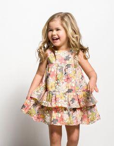 Vestidos sencillos de niña Fashion Tips For Girls, Little Girl Fashion, Toddler Fashion, Toddler Outfits, Kids Outfits, Kids Fashion, Winter Fashion, Moda Kids, Dresses Kids Girl