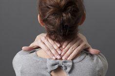 """Artrose, artritis, fibromyalgie, SCCH, reuma en andere chronische ontstekingen geven chronische pijn. Pamela deelt haar beste 10 tips tegen chronische pijn. """"Door het aanpassen van mijn voeding en werkplek, door bewegen, fysiotherapie, bewuste ontspanning, het gebruik van supplementen en medicatie heb ik grote stappen gezet en een hoop weten te verbeteren. Ook geestelijke bewustwording was een belangrijk element op mijn pad."""""""