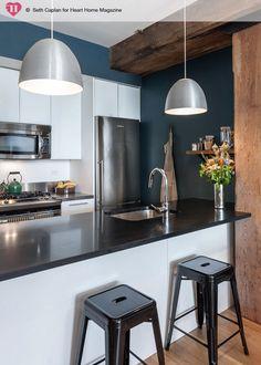 Niebieska ściana w kuchni