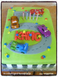 Disney Cars Cake. For more information & orders, email SweetArtBfn@gmail.com or call 0712127786. For more samples visit www.pinterest.com/SweetArtCakeBfn/ Cupcake Toppers, Cupcake Cakes, Cupcakes, Disney Cars Cake, Lightning Mcqueen, Planes, Fondant, Trains, Icing