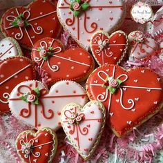 Image may contain: 1 person, food Valentines Baking, Valentine Desserts, Valentines Day Cookies, Valentine Cookies, Christmas Cookies, Valentine Hearts, Valentine Decorations, Valentine Gifts, Flower Cookies