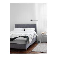 ÅRVIKSAND Boxspringcombinatie IKEA Als je in bed zit te lezen of tv te kijken, geeft het zachte hoofdbord een comfortabele ondersteuning.