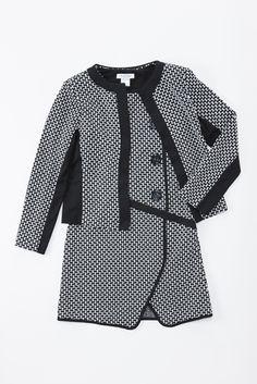 織柄が上品なワンピースとジャケット。セットアップでフォーマルにも。/Jusd'Orange(made in France) ワンピース¥11,500- ジャケット¥12,600-/BEKKU femme TEL:076-221-2994/TATEMACHI AUTUMN COLLECTION 2013