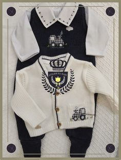 H.I.BABY : Saída de Maternidade de Menino Jumpsuit Dress, Jeans Dress, Royal Babies, Baby Royal, Baby Winter, Baby Wearing, Kids Wear, Baby Boy Outfits, Kids Boys