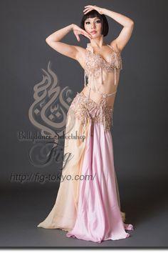 Design by Hallah Moustafa / Model: TIDA / Fig Belly Dance #figbellydance…