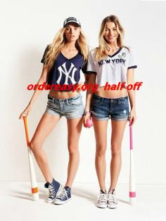 Victoria's Secret PINK New York Yankees - Bling Crop Tee, Glitter Crop Tee, and Baseball hat ~Drenched in New York~ Air Jordan, Yankees Outfit, Reebok, Nba, Summer Outfits, Cute Outfits, Vestidos Sexy, Fashion Beauty, Womens Fashion
