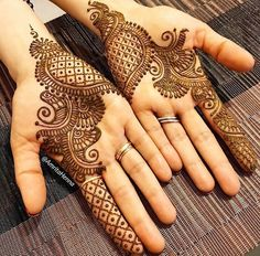 Explore latest Mehndi Designs images in 2019 on Happy Shappy. Mehendi design is also known as the heena design or henna patterns worldwide. We are here with the best mehndi designs images from worldwide. Henna Hand Designs, Mehndi Designs Finger, Palm Mehndi Design, Latest Arabic Mehndi Designs, Mehndi Design Pictures, Mehndi Designs For Fingers, Beautiful Mehndi Design, Mehndi Images, Dulhan Mehndi Designs