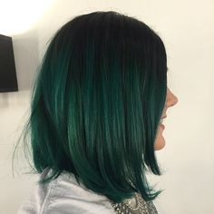 40 lively ideas for black ombre hair - best hairstyles .- 40 lebhafte Ideen für schwarzes Ombre-Haar – Beste Frisuren Haarschnitte 40 lively ideas for black ombre hair - Emerald Green Hair, Dark Green Hair, Black Hair Ombre, Green Hair Colors, Ombre Hair Color, Dark Hair, Ombre Bob, Purple Hair, Pastel Hair