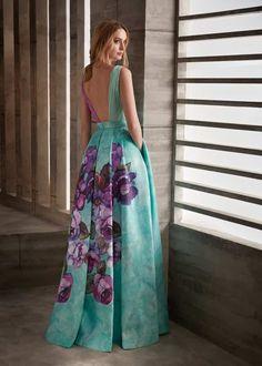 Vestido de Fiesta de Manu García - MG3001 Lovely Dresses, Elegant Dresses, Casual Dresses, Fashion Dresses, Formal Dresses, Night Gown Dress, The Dress, Party Dress, Pretty Outfits