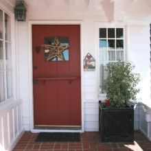 nhht-I am obsessed with Dutch doors! Coastal Homes, Coastal Living, Dutch Doors, Breezeway, Blue Hydrangea, Newport Beach, Beach Cottages, Coastal Style, Door Ideas
