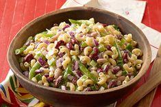 Salade de macaroni aux trois haricots - Une savoureuse salade qui se prépare à l'avance, parfaite pour un pique-nique ou un repas-partage !