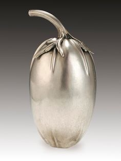 Silver Etrog container, Danzig, Germany, 1770-1774, (used during the festival of Sukkot), 196 mm   The Jewish Museum, London