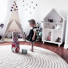 Girl's room with play tipi by Glammy Baby