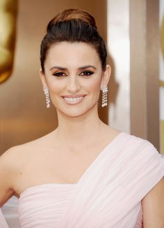 Love Penelope Cruz's Oscar diamonds? Try Simon G. at Ben Garelick's.  http://www.bengarelick.com/collections/diamond-earrings/products/simon-g-18k-white-gold-diamond-drop-marquise-pear-princess-cut-diamond-earrings