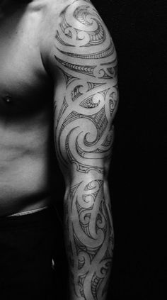 Tamoko - Maori Tattoo... beauty. I want this BAD.
