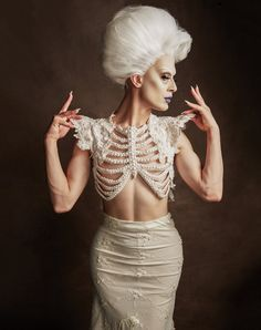 Japanese photographer transformed a design on paper into a wearable piece of avant-garde art Fashion Art, High Fashion, Fashion Design, Drag Queen Costumes, Looks Party, Rupaul, Mode Inspiration, Costume Design, Models