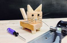 Wood Shop Projects, Woodworking Projects For Kids, Woodworking Toys, Wood Projects For Kids, Scrap Wood Crafts, Wood Block Crafts, Wood Blocks, Carpentry Skills, Wood Animal