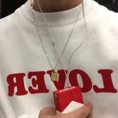 Necklace and smokes