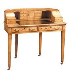 Karelian Birch Carlton House Desk, Russia. Quanto mais gavetas mais eu amo.