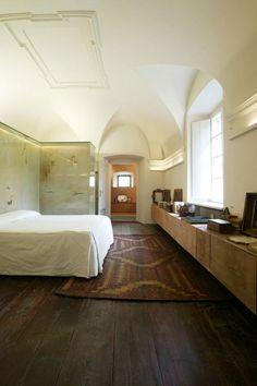 Vicenzo de Cotiis Bedroom in Salo | Remodelista