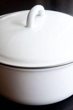 Fleischtopf mit Deckel / Saucepot with lid RIESS Classic White www.riess.at