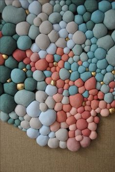 Obras 2015 Serena Garcia Dalla Venezia stunning textile art from small handmade fabric balls that she then groups together Growth and accumulation order and chaos are t. Diy Crafts To Sell, Home Crafts, Fabric Balls, Pom Pom Crafts, Textiles, Colorful Artwork, Fabric Art, Textile Art, Diy Room Decor