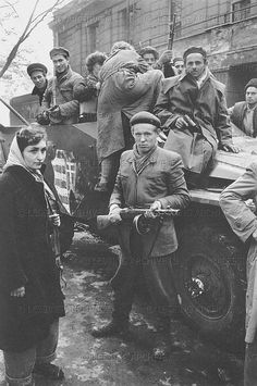 Freedom fighters on an armoured vehicle. World Conflicts, Freedom Fighters, Budapest Hungary, Vietnam War, Pictures Images, Vintage Photography, Historical Photos, Wwii, Revolution