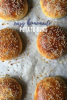 Potato burger buns are perfect for all of your burger needs this summer! Soft, squishy, and delicious, this super easy homemade potato bun r. Fun Baking Recipes, Easy Appetizer Recipes, Cooking Recipes, Diet Recipes, Potato Bun Recipe, Bun Burger, Homemade Buns, Bread Maker Recipes, Easy Party Food