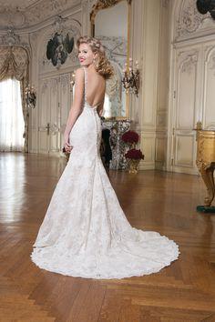 Wedding gown by Justin Alexander #bridal #gown #weddingdress www/madeleinesbridalboutique.com