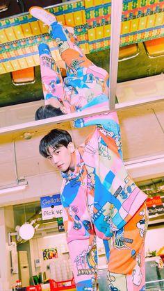 백현 Baekhyun The mini album [Delight] 🍬 Baekhyun Chanyeol, Exo Ot12, Chanbaek, Kpop Exo, Exo K, Luhan And Kris, Gu Family Books, Big Bang Top, Z Cam