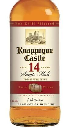 Last month, Knappogue Castle announced the release of its new 14 Year Old Twin Wood Irish Whiskey. The new single malt whiskey derives its Twin Wood name from the fact that it's a combination of whiskeys aged in bourbon barrels. Jameson Irish Whiskey, Whiskey Sour, Irish Whiskey Brands, Single Malt Irish Whiskey, Whiskey Girl, West Cork, Irish Cream, Irish Coffee, Wine