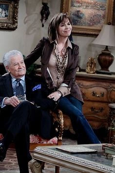 Pairing jacket, silk blouse, lots of necklaces with jeans. Drake Hogestyn, Miss The Old Days, Celebrity Siblings, Life Cast, Edgy Haircuts, Soap Stars, We Are Young, Days Of Our Lives, Our Life